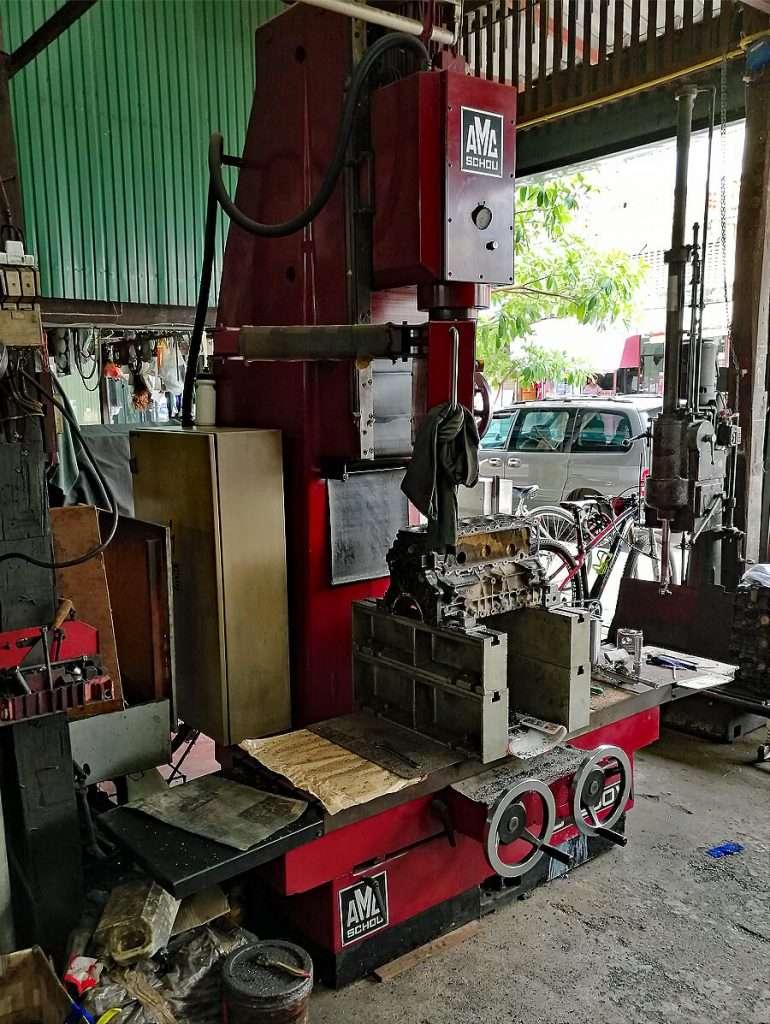Cylinder boring-resurfacing machine AMC-Schou CM 1200V