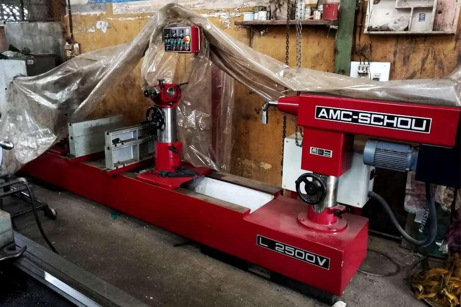 AMC-Schou L2500V line boring machine