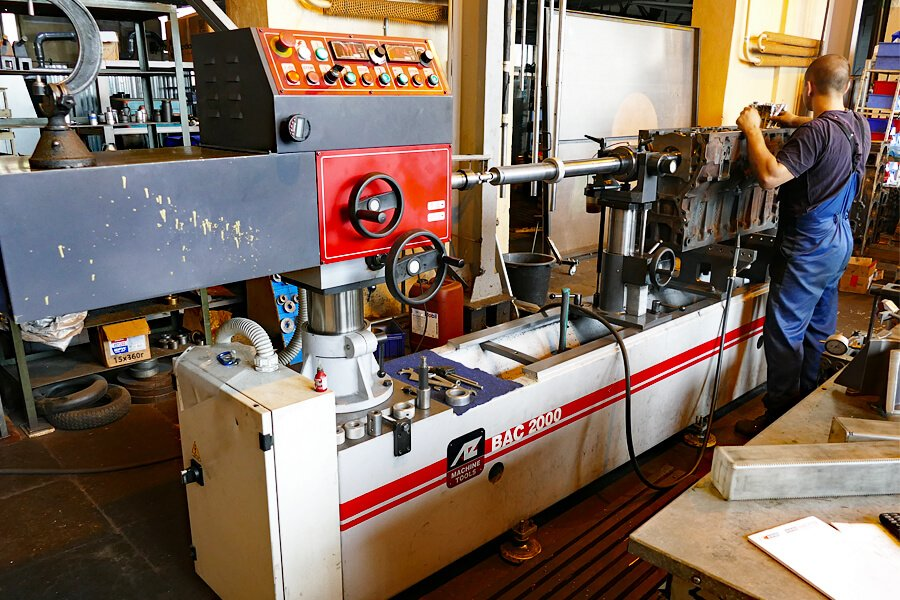 AZ BAC 2000 Line boring machine