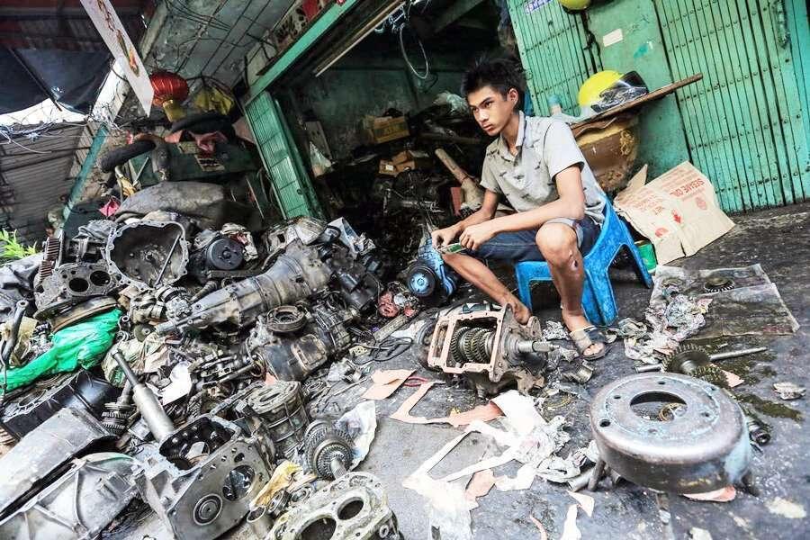 Engine rebuilding in Thailand