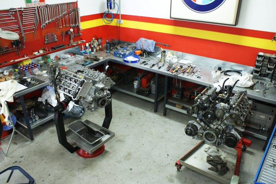 The area dedicated to engine mounting
