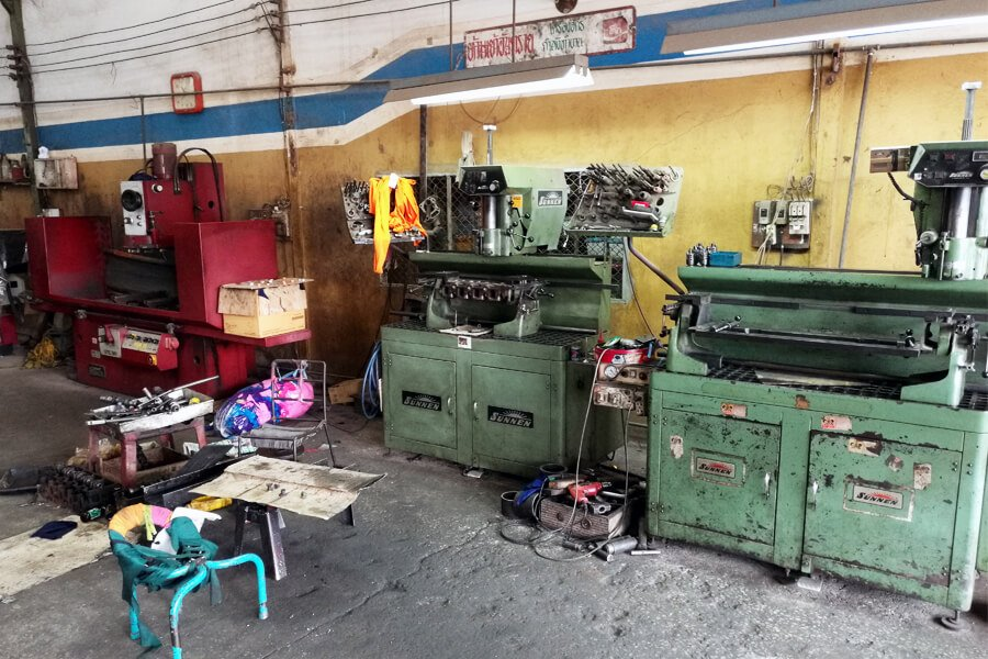 Engine head resurfacing machine Berco STC 361 and two valve seat boring machine Sunnen VGS 20