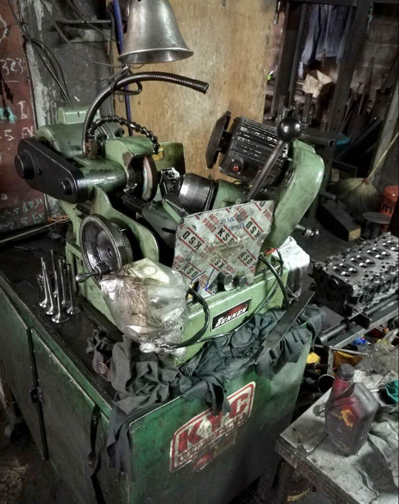 La mitica rectificadora de valvulas Sunnen VR6500