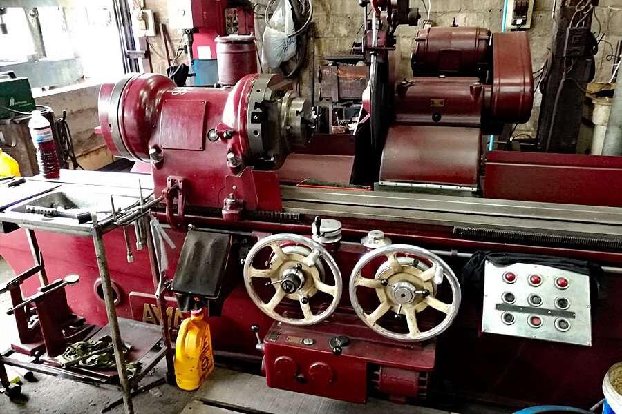 AMC-Schou crankshaft grinding machine