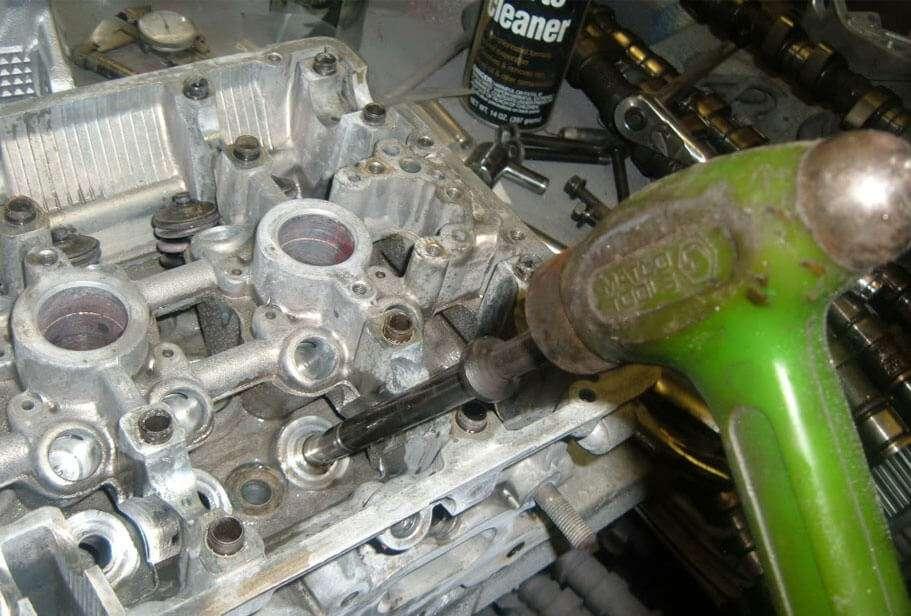 Uno de los varios kit de extracción de válvulas