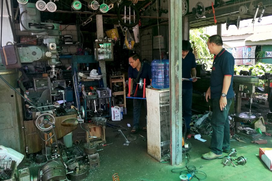 Small repair workshop of scooter motors and Tuc Tuc