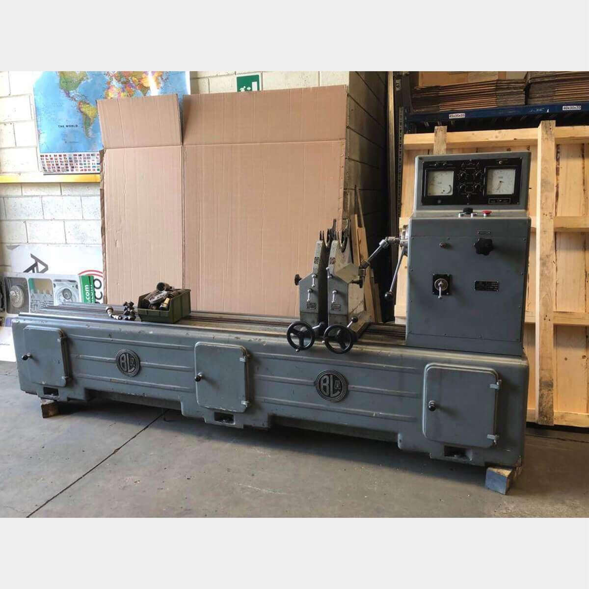 MU090 CEMB F3C BALANCING MACHINE