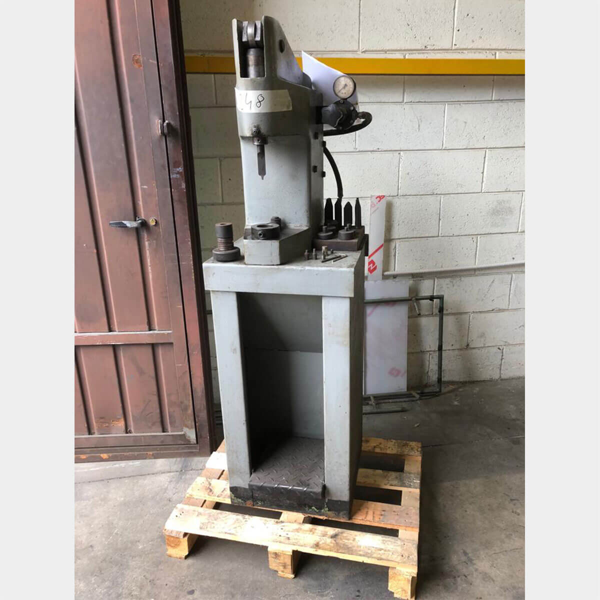 mu248 vis 2 riveting machine