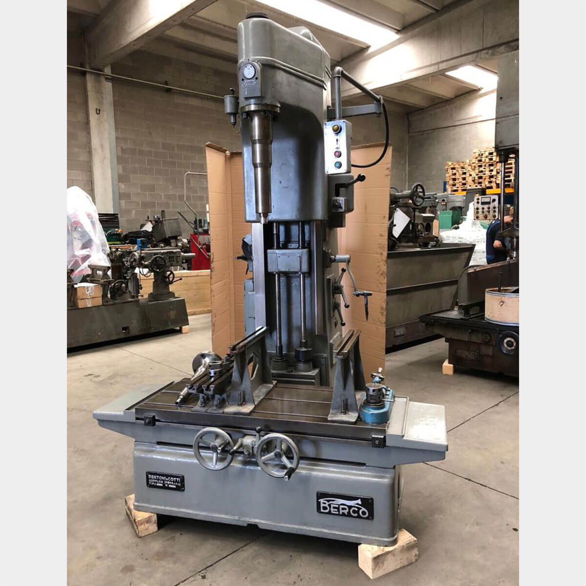 mu415 berco ac750 cylinder boring machine 01