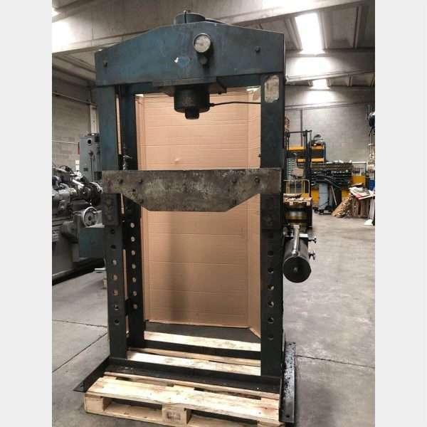 MU422 BERCO PT50 PRESS MACHINE