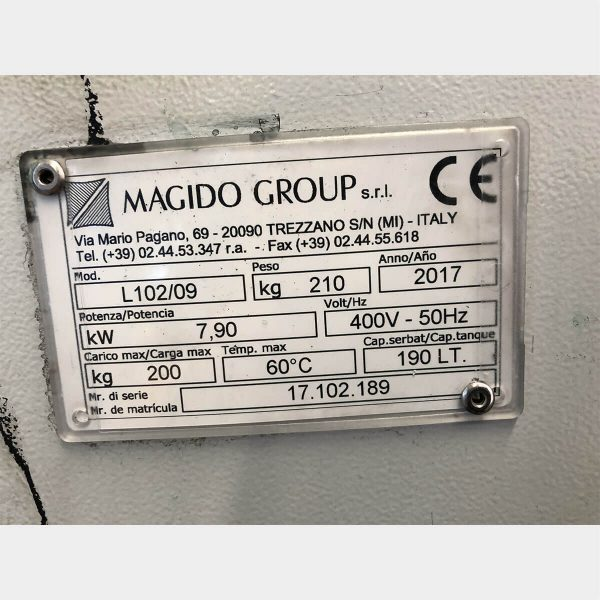 MU447 -MAGIDOL102LAVADORA DE PIEZAS USADA