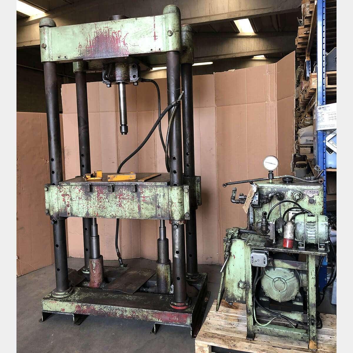 MU639 - BERCO 1/52000 Used Press Machine